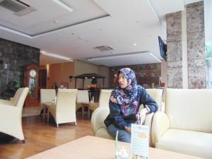 lobby-depan-hotel-grand-tjokro-jogja