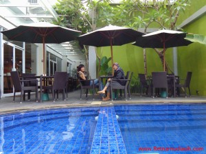 swimming-pool-hotel-grand-tjokro-jogjakarta