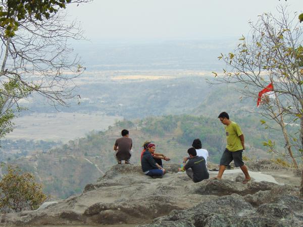 petilasan-gunung-gambar-ngawen