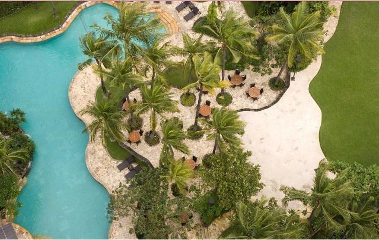 Hotel_JW_Marriott_Surabaya_swimming_pool