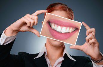cara mengatasi gigi ngilu dengan bahan alami