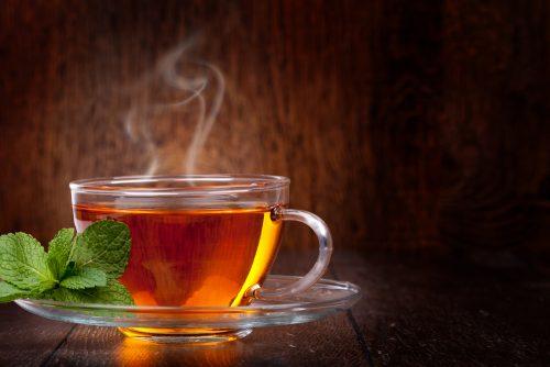 makanan yang bisa meredakan hidung tersumbat teh hangat