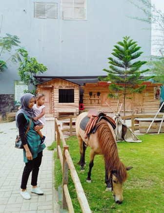 Johnsto-Jogja-Horse-And-Resto7