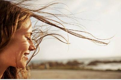 cara-menghilangkan-rambut-bercabang-tanpa-dipotong-secara-alami
