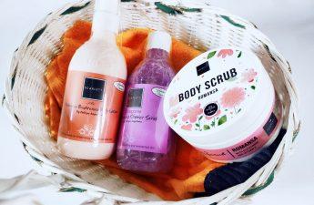 review-produk-scarlett-whitening-body-scrub-romansa-brightening-shower-scrub-pomegrante-fragrance-brightening-body-lotion-2