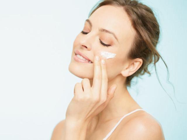 Manfaat Sunscreen Untuk Wajah Berjerawat Dan Sensitif